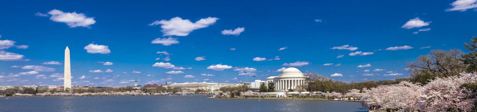 Washington Momument and the Jefferson Memorial across the Potomac River